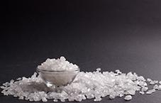فواید استفاده از سنگ نمک در خانه