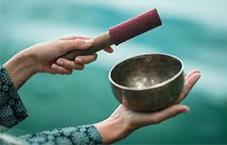 مقاله چگونه از کاسه تبتی برای پالایش فضا استفاده کنیم-فنگشویی چی-سایت هنری فندق